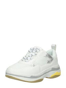 Bulky sneakers